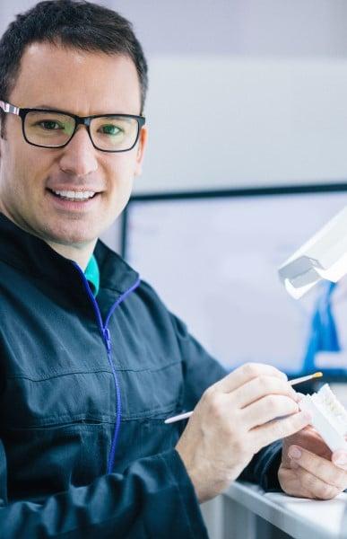AEC Pratique avancée de la denturologie